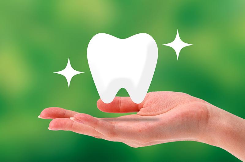天然歯に近い白さ・透明感