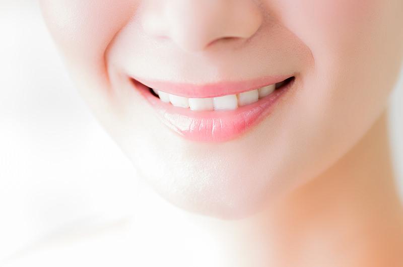 目につきやすい前歯を白くキレイにしたい